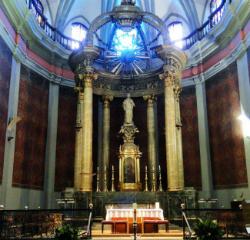 """Cicle de conferències a Olot """"L'esplendor de l'argent als tresors parroquials"""". Font: Parròquia de Sant Esteve d'Olot"""