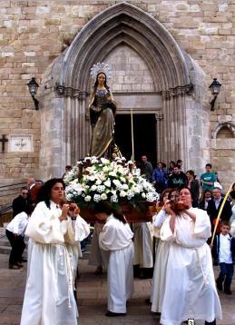 Processó del Ressucitat a Blanes (matí de Pasqua de 2011). Imatge manllevada del blog https://blanesenimatges.wordpress.com