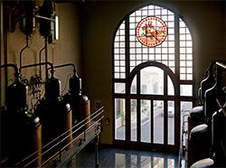 Visita guiada a la fàbrica d'Anís del MonoMuseu de Badalona…