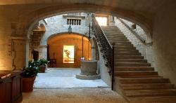 Entrada al Palau Solterra de Torroella de Montgrí. Font: web de la Fundació Vila Casas
