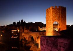 Aquesta nit, Besalú. Font: arsdidactica.com