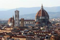 La ciutat de Florència amb la cúpula de la basílica de Santa Maria del Fiore amb la cúpula de Brunelleschi en primer terme. Imatge manllevada del blog http://guiaperlatoscana.blogspot.com