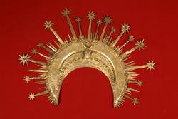 """.Exposició de """"Corona del Conestable de Portugal"""", de Pere Àngel. Font: Museu d'Art de Girona"""