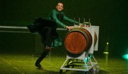 """Espectacle """"Dolce Vita"""" amb el Mag Lari. Font: web del Festival Temporada Alta"""