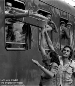 """Exposició """"La verema dels 80. Una emigració civilitzada"""". Font: web del Museu del Suro"""