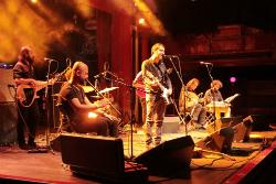 Actuació de Mazoni & Istanbul Street Ensemble. Font: web de l'Espai Ter
